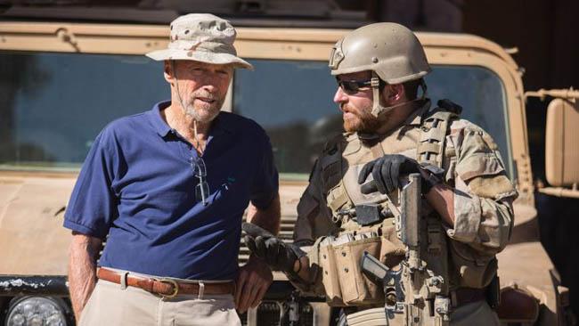 Client Eastwood et Bradley Cooper sur le tournage de american_sniper_ AvantSceneCinema-620-Mercredi-folle-journee
