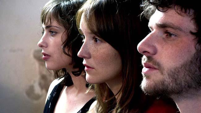 a-trois-on-y-va-avant-scene-cinema-625-actu-dvd