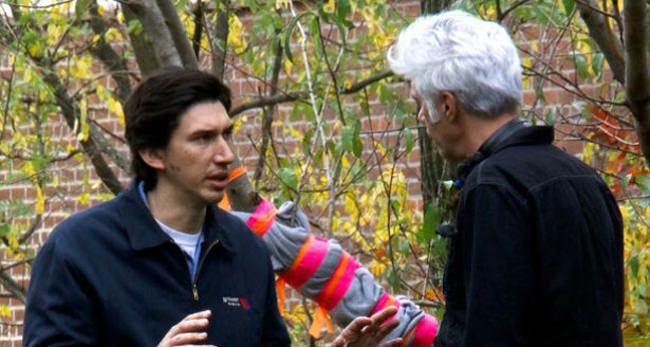 Adam Driver parle avec Jimi Jarmusch sur le tournage de Paterson