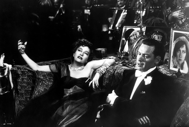 Gloria Swanson et Holden dans Sunset Boulevard de Billy Wilder